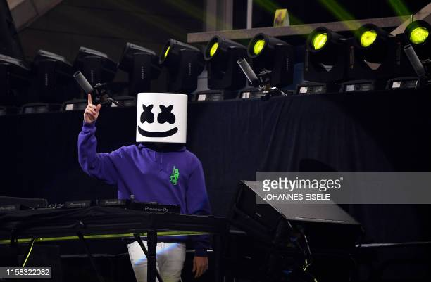 Dj Marshmello performs ahed of the final of the Solo competition at the 2019 Fortnite World Cup July 28 2019 inside of Arthur Ashe Stadium in New...