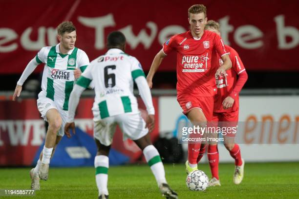 Django Warmerdam of FC Groningen Oriol Busquets of FC Twente during the Dutch Eredivisie match between Fc Twente v FC Groningen at the De Grolsch...