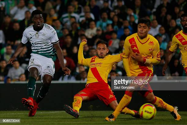 Djaniny Tavares of Santos scores the first goal of his team during the 3rd round match between Santos Laguna and Morelia as part of the Torneo...