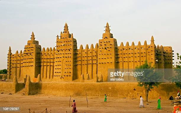 djenne, mali mosque largest mud building - mali stock pictures, royalty-free photos & images