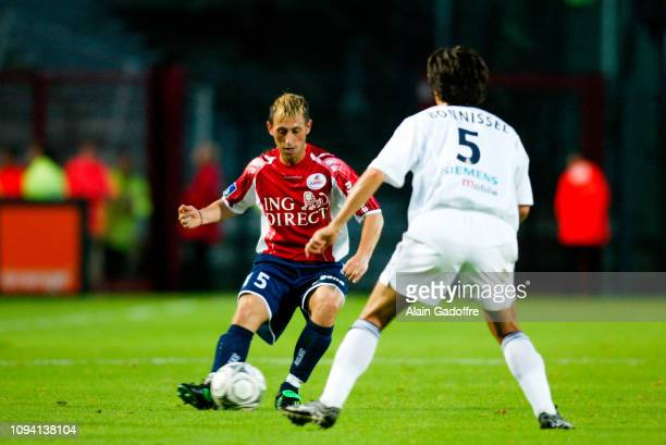 Djezon BOUTOILLE and Jerome BONNISEL during the Ligue 1 championship match between Lille and Bordeaux on August 3 2002 in Lille France