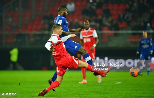 Djibril CISSE / Carl MEDJANI - - Valenciennes / Bastia - 20e journee Ligue 1, Photo : Dave Winter / Icon Sport