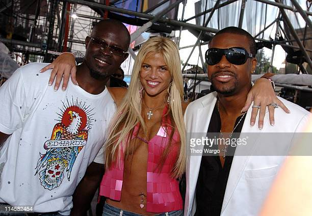 Djimon Hounsou Anna Nicole Smith and Chris Tucker during LIVE 8 Philadelphia Backstage at Philadelphia Museum of Art in Philadelphia Pennsylvania...