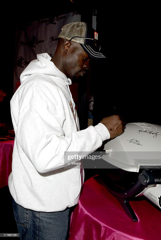 Djimon Hounsou with Weber Q during 2004 Screen Actors Guild Awards - Backstage Creations Day One at The Shrine Auditorium in Los Angeles, California, United States.