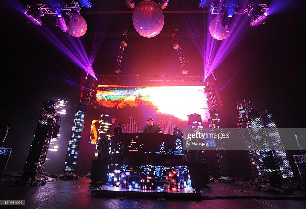 DJ/Producer Derek Vincent Smith Aka Pretty Lights Performs At Bill Graham  Civic Auditorium On