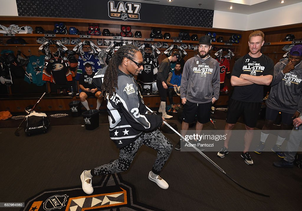 DJ/Rapper Snoop Dogg visits the locker room before the start of the 2017 Coors Light NHL All-Star Skills Competition at Staples Center on January 28, 2017 in Los Angeles, California.