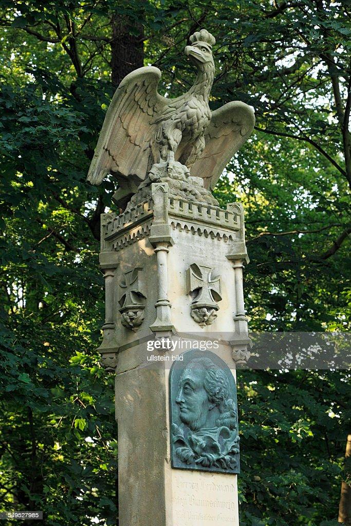 D-Krefeld, Rhine, Lower Rhine, Rhineland, North Rhine-Westphalia, NRW, D-Krefeld-Forstwald, Hueckelsmay memorial, Seven Years War, Battle of Krefeld, Battle of Crefeld : News Photo
