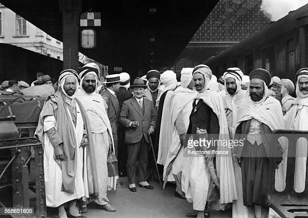 Délégation venue d'Algérie à l'occasion du 100e anniversaire de l'Algérie française à Paris France le 14 juillet 1930