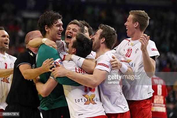 Dänemark ist Europameister 2012 Mannschaft feiert mit Torwart Niklas LANDIN JAKOBSEN Handball Männer Europameisterschaft Spiel Finale : Serbien -...