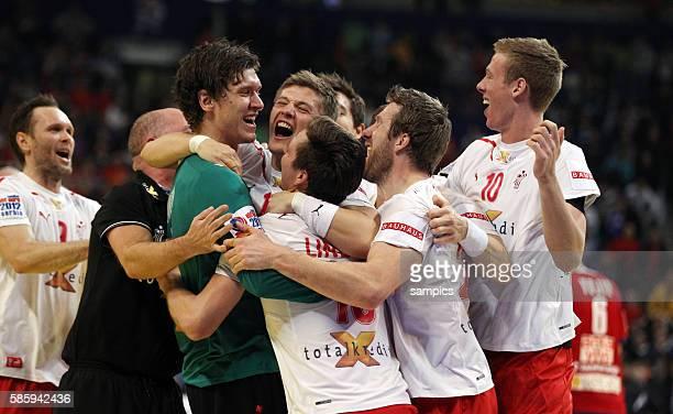Dänemark ist Europameister Mannschaft feiert mit Torwart Niklas LANDIN JAKOBSEN Handball Männer Europameisterschaft Spiel Finale Serbien Dänemark...