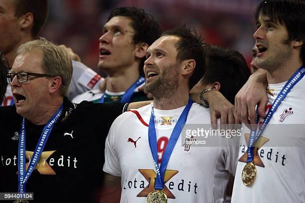 Dänemark wird Europameister 2012 : coach Ulrik WILBEK , Lars CHRISTIANSEN , Mads CHRISTIANSEN Handball Männer Europameisterschaft Spiel Finale :...