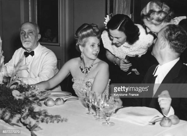 Dîner avec Eva Perón à La Scala circa 1940