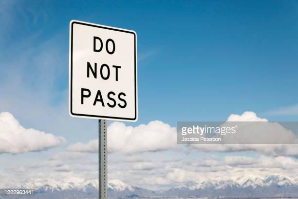 do not pass road sign - 待避所標識 ストックフォトと画像