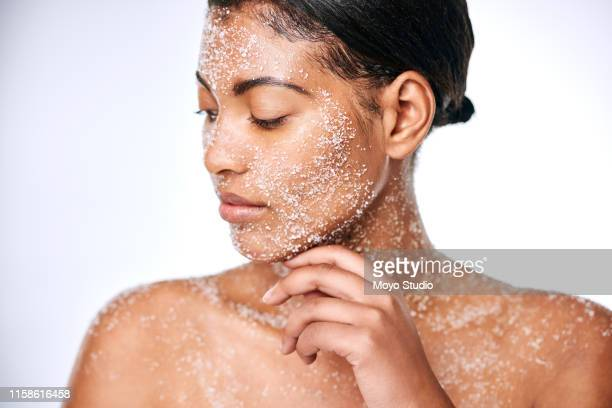 do your know the benefits of using salt for your skin? - exfoliation stock pictures, royalty-free photos & images