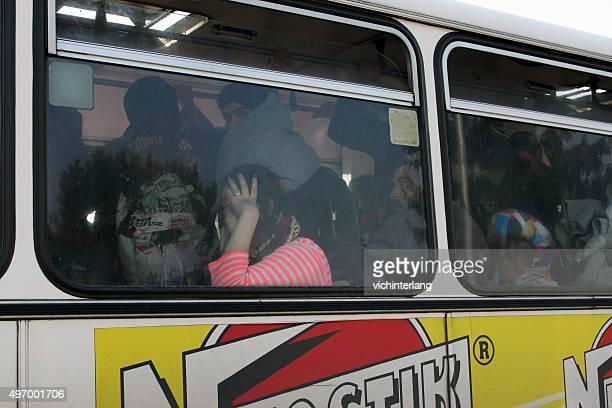 dobova, slowenien flüchtling processing center, vom 13. november 2015 - syrien krieg stock-fotos und bilder