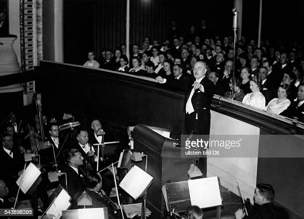 Dobrindt Otto Musician Composer Germany*24081886in concert with the 'Staedtisches Orchester' Erfurt Photographer Ullmann Published by 'Hier Berlin'...