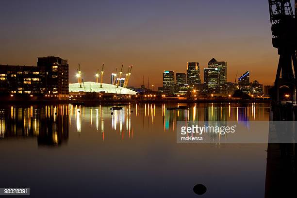 docklands, london and o2 arena - dome stock pictures, royalty-free photos & images