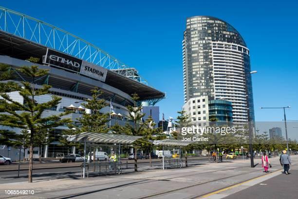 docklands stadium in melbourne, australia - docklands stadium melbourne stock pictures, royalty-free photos & images