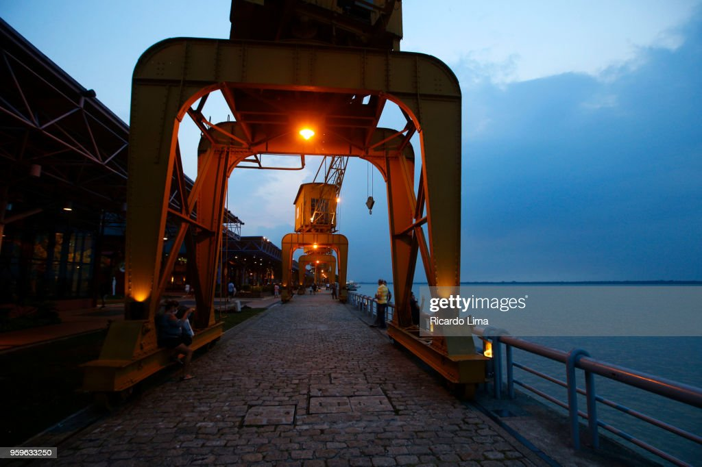 Docks Station At Dusk Light, amazon Region Brazil : Stock-Foto