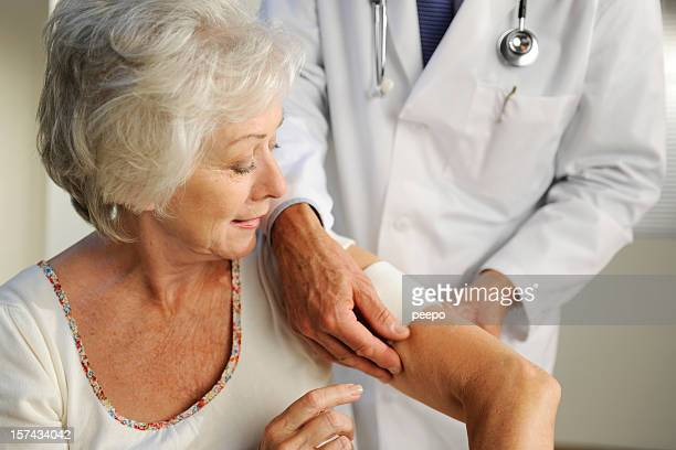 doctor and patient - bandage stock pictures, royalty-free photos & images