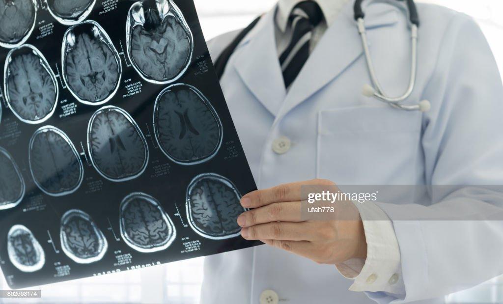 doctor brain mri : Stock Photo