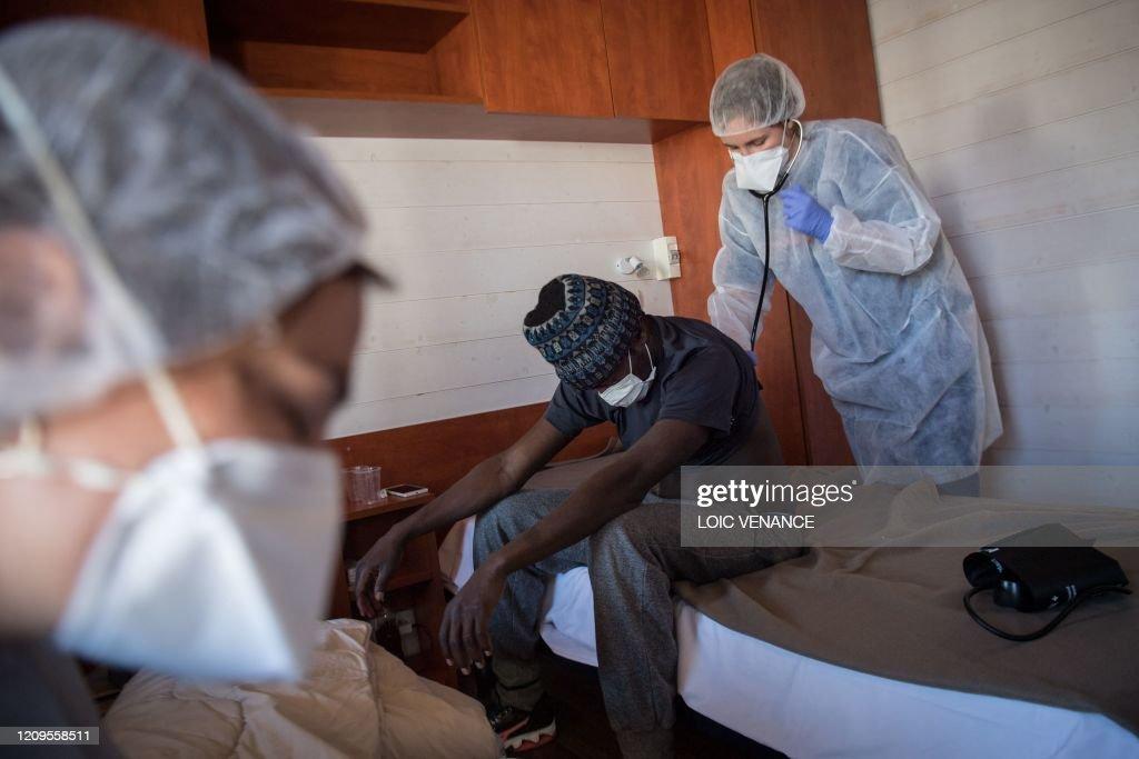 FRANCE-HEALTH-VIRUS-MIGRANTS : News Photo