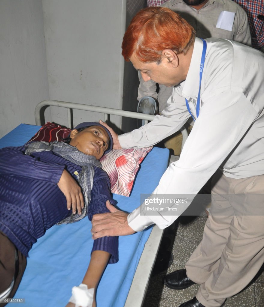 Doctor examines Jitendra Arjunwar at Amritsar Civil Hospital after his repatriation from Pakistan on May 3 2018 in Amritsar India Jitendra a resident.