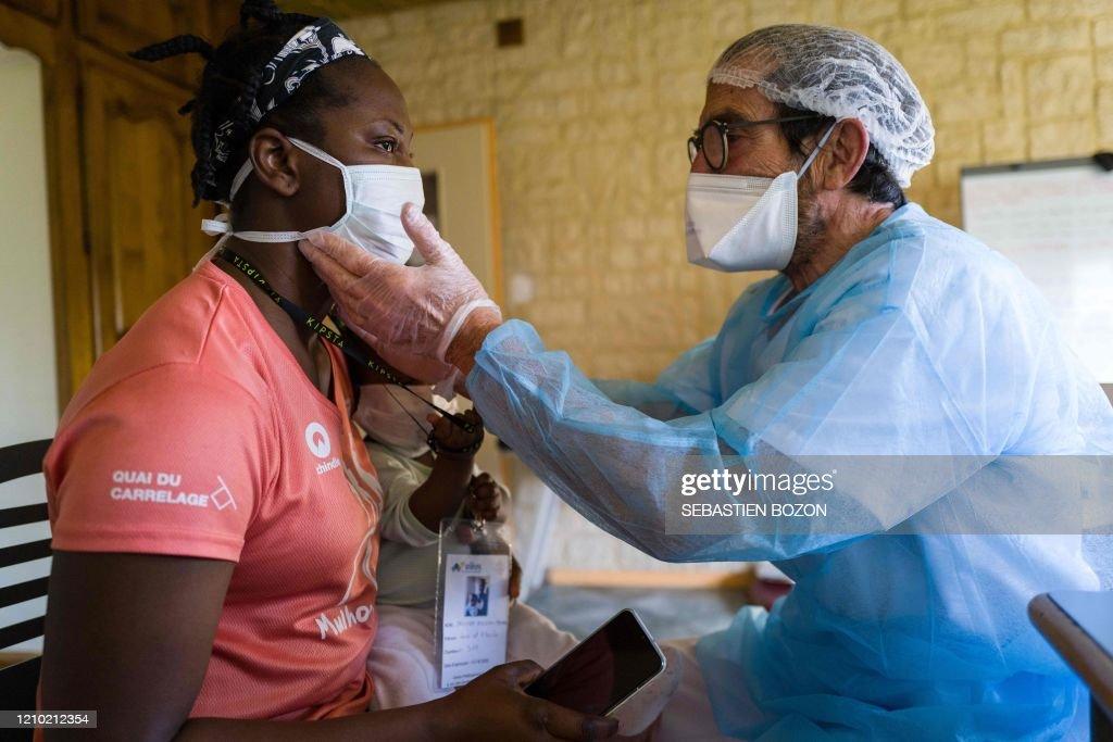 FRANCE-HEALTH-VIRUS-SOCIAL-HOMELESS-HOUSING : News Photo