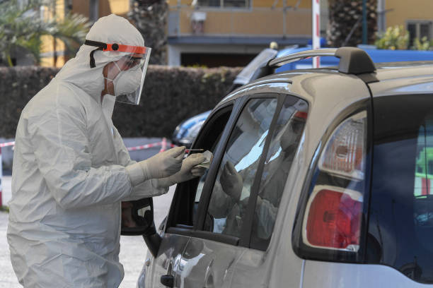 ITA: Italian Doctors Make Drive-Through Covid-19 Tests