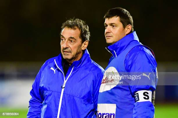 Doctor Patrice Claisse and kinesitherapeute Sylvain Clavel of Aurillac during the Pro D2 match between Massy and Aurillac on November 24 2017 in...