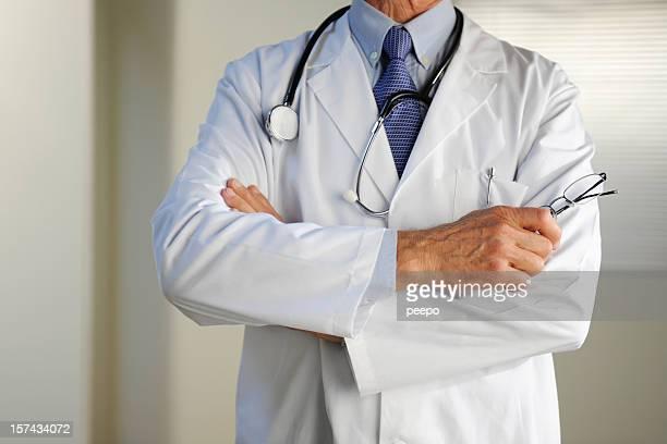 médico - decapitado fotografías e imágenes de stock