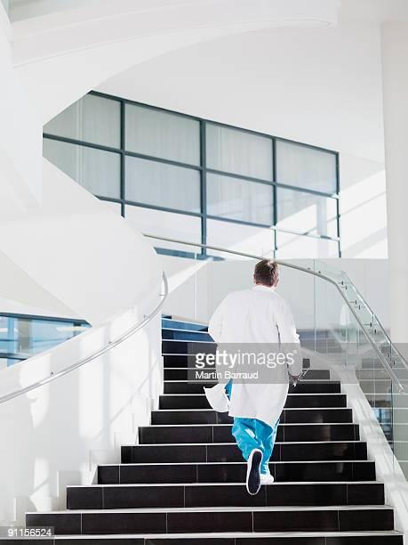 Arzt Laufen bis hospital Treppe