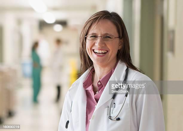 Arzt lächelnd