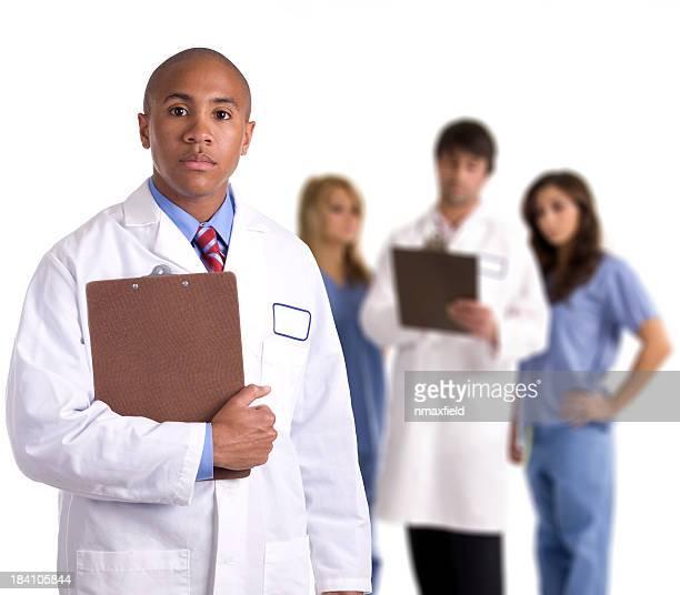 médicos e enfermeiras - preconceito racial imagens e fotografias de stock