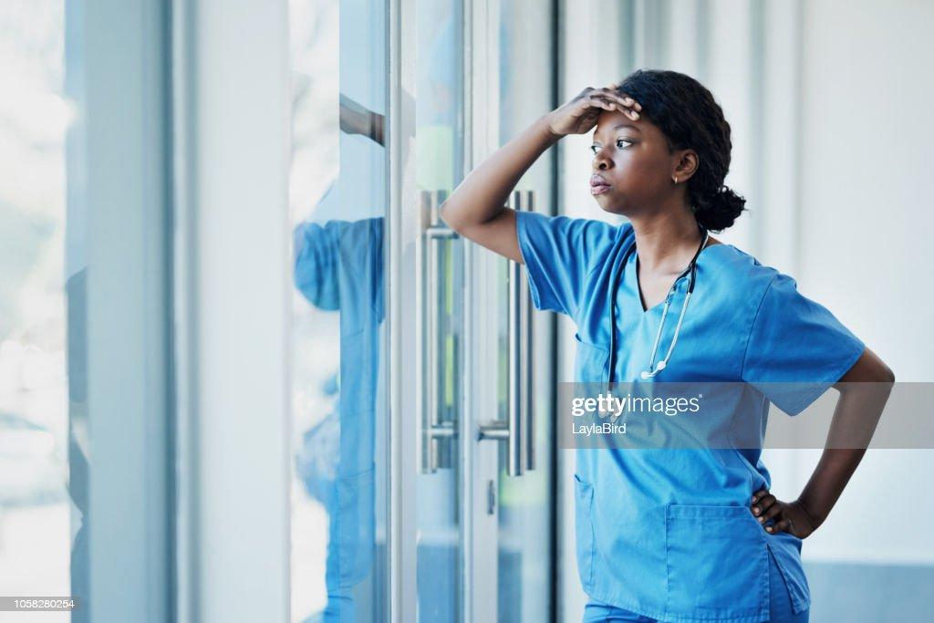 Los médicos enfrentan fuertes niveles de estrés también : Foto de stock