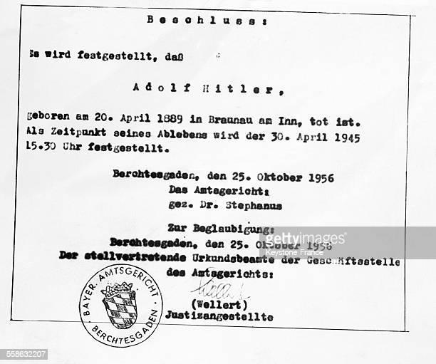 Document officiel annonçant la mort d'Adolf Hitler publié le 25 Octobre 1956 à Berchtesgaden Allemagne