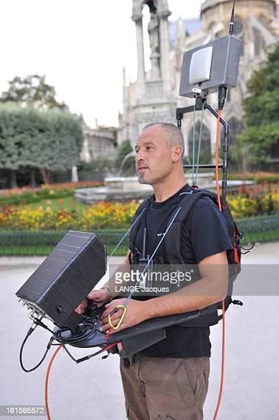 Documentary In 3d On Notredame De Paris Tournage d'un documentaire en 3D 'L'envol' sur la cathédrale NotreDame de Paris survolée par un ballon...