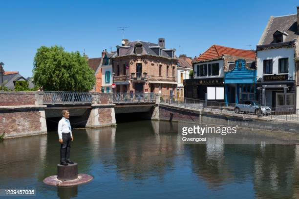 dodane bridge in amiens - gwengoat stock pictures, royalty-free photos & images