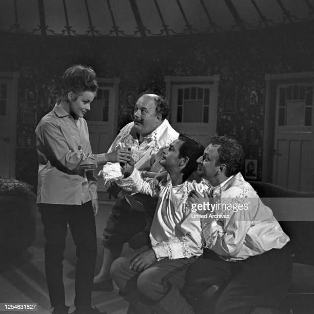 Doddy und die Musketiere, Fernsehspiel, Deutschland 1964, Regie: Arthur Maria Rabenalt, Darsteller: Loni von Friedl, Gerhard Riedmann, Adrian Hoven,...