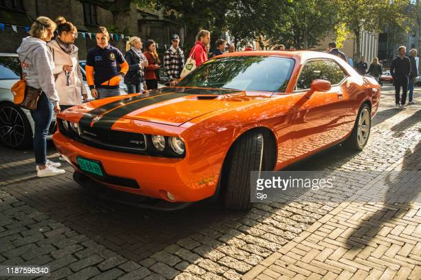 dodge challenger srt american muscle car - dodge challenger stock pictures, royalty-free photos & images