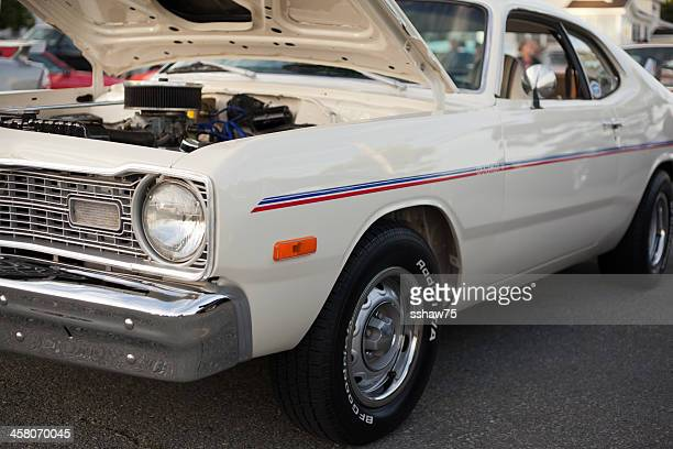dodge dart hang ten - 1970s muscle cars stock pictures, royalty-free photos & images