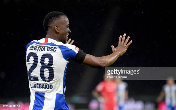 Dodi Lukébakio of Hertha Berlin celebrates after he scores the 2nd goal during the Bundesliga match between Hertha BSC and 1 FC Union Berlin at...