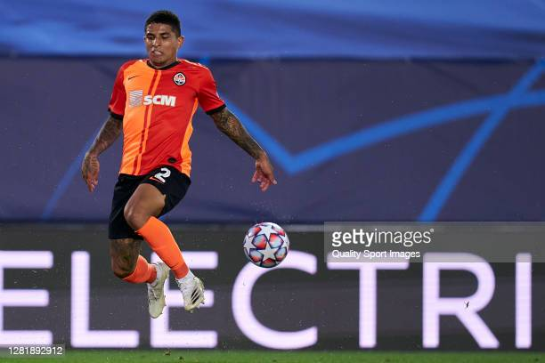 Dodo of Shakhtar Donetsk in action during the UEFA Champions League Group B stage match between Real Madrid and Shakhtar Donetsk at Estadio Alfredo...