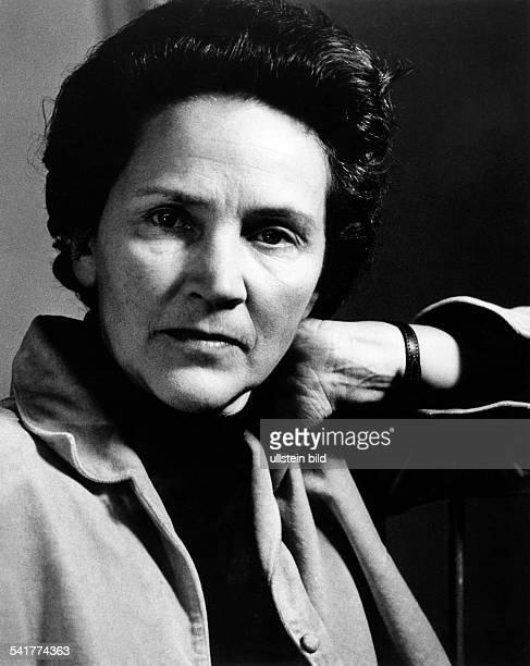 Doenhoff, Marion Graefin *02.12..2002+Journalistin, Publizistin, DHerausgeberin der Wochenzeitung 'Die Zeit'- Portrait- 1965Foto: Paul Swiridoff
