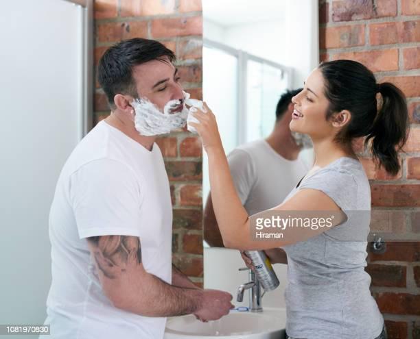minha barba realmente te incomoda tanto? - is this really going to help - fotografias e filmes do acervo