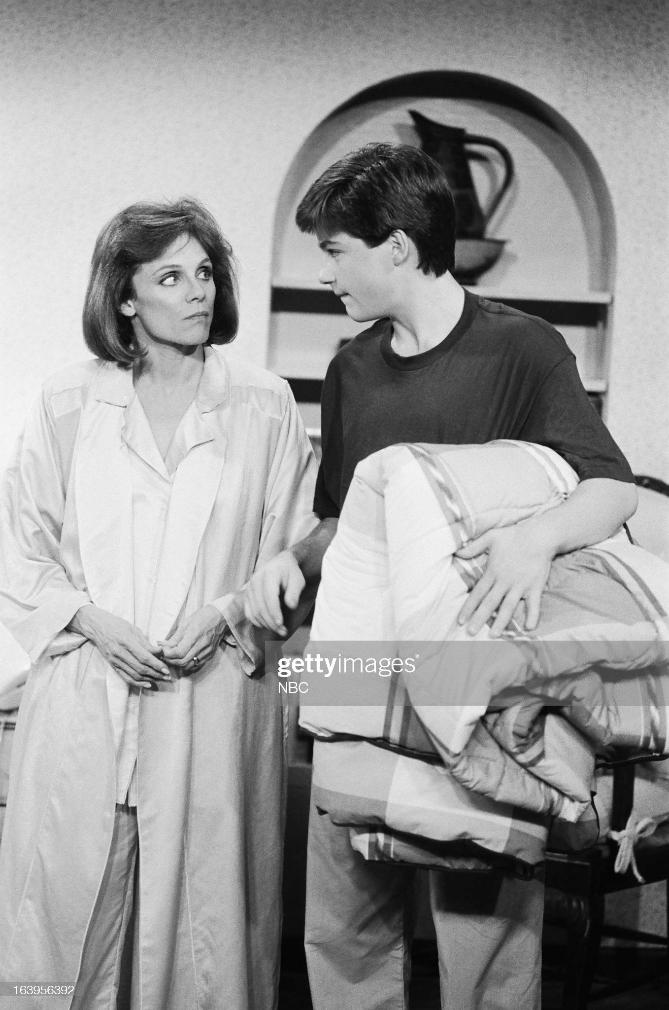 dog-day-afternoon-episode-106-pictured-valerie-harper-as-valerie-picture-id163956392