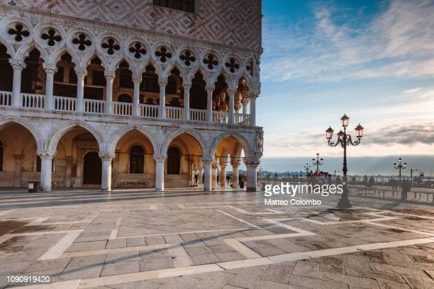 doge's palace at sunrise, venice, italy - palace stock pictures, royalty-free photos & images