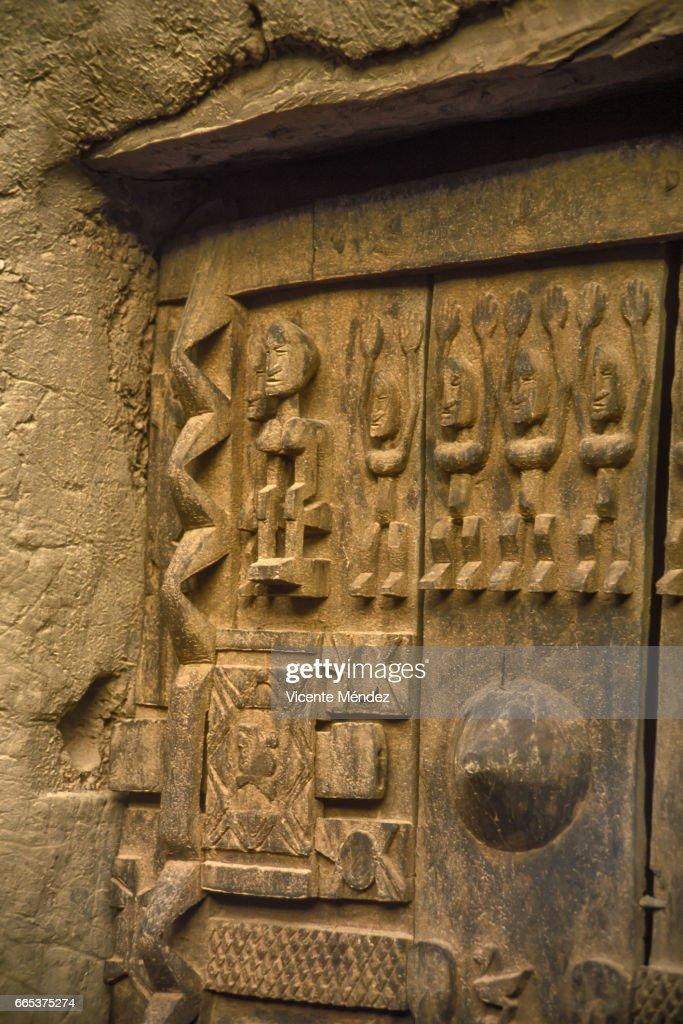 Dogon barn door, Dogon country (Mali) : Stock Photo