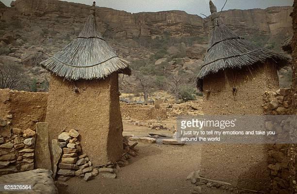 dogon village, dogon land, tireli, mali, africa - unesco stock-fotos und bilder