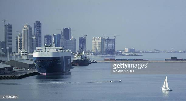 A picture shows a general view of the Qatari capital's port in Doha 05 January 2007 AFP PHOTO/KARIM SAHIB